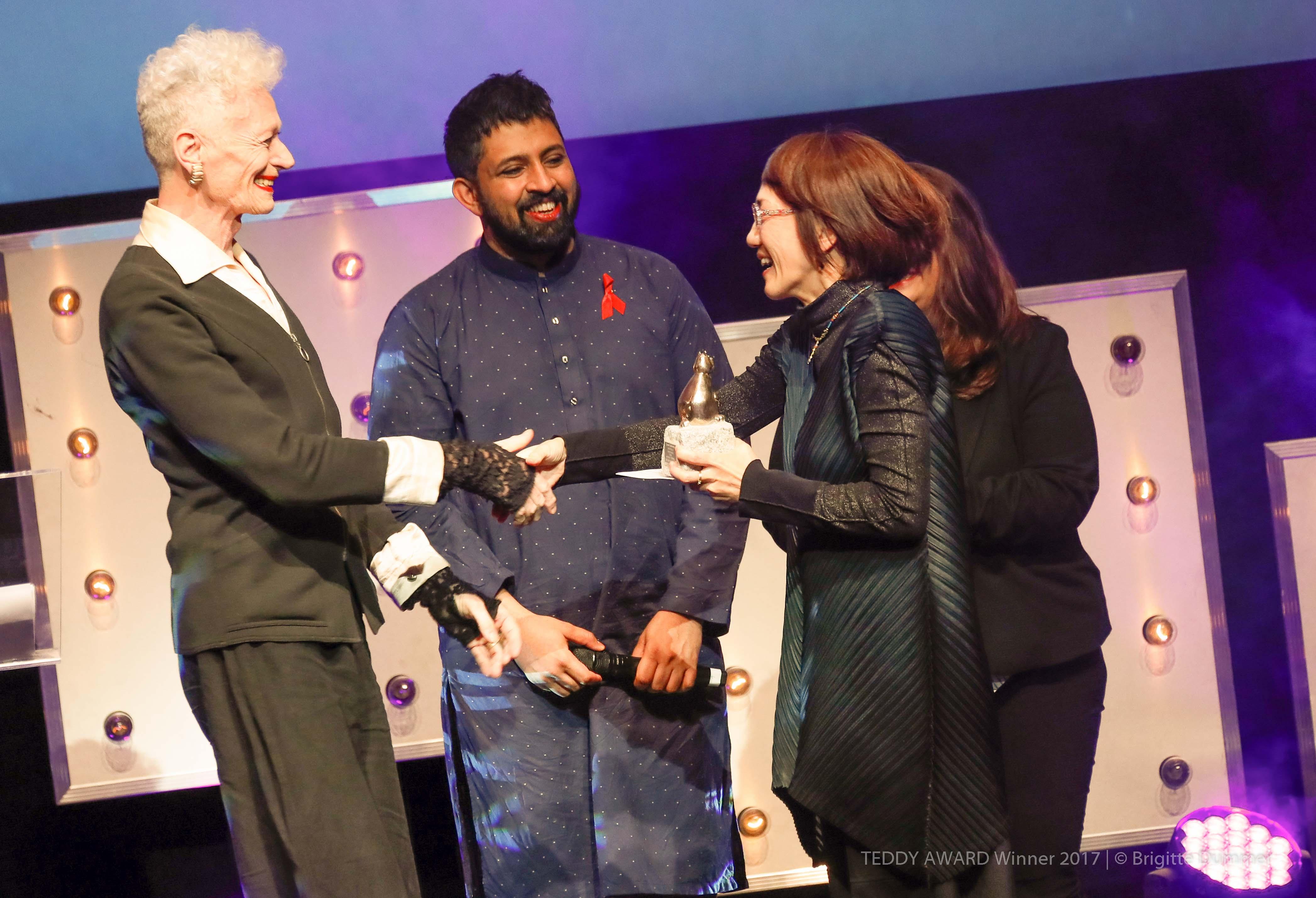 "Saadat Munir, member of the TEDDY AWARD Jury 2017, TEDDY AWARD winner Naoko Ogigami, director ""Close-Nit""-Special Jury Award"